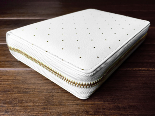 White Zipper Dokibook